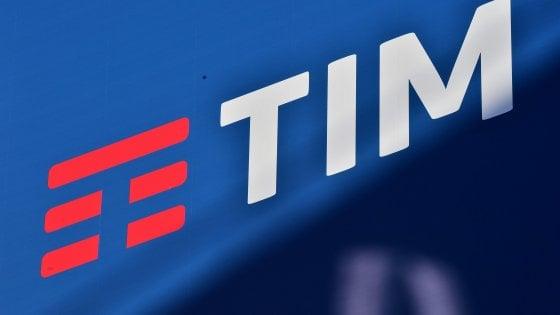Tim, l'azienda conferma 6500 esuberi . I sindacati: Pronti alla mobilitazione