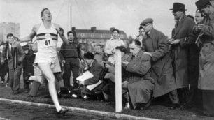 Addio a Roger Bannister eroe nell'epopea del miglio