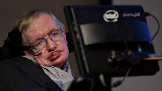 Morto l'astrofisico Stephen Hawking, studiò le origini dell'universo
