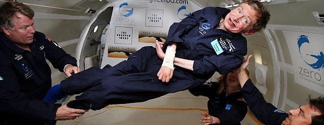 Stephen Hawking: nonostante fosse colpito dalla Sla, aveva voluto provare anche il volo in assenza di gravità