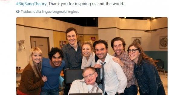 Il cordoglio per la morte di Stephen Hawking: dalla Nasa a Big Bang Theory