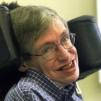 Stephen Hawking: una vita di coincidenze tra Galileo, Einstein e Newton