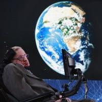 È morto Stephen Hawking, l'astrofisico della 'Teoria del Tutto' che studiò l'origine...