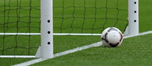 Un calcio al cancro con i 'palloni della salute '