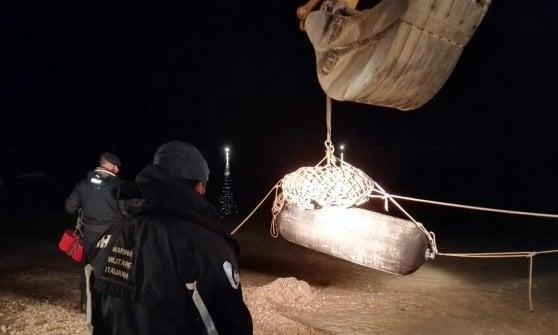 Fano, cessato il pericolo: portato al largo l'ordigno bellico. Rientrano i 23mila evacuati
