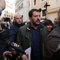 Prove tecniche di accordo fra M5S e Lega. Salvini apre a Di Maio: telefonata nel...