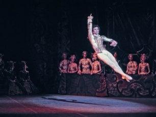 Rudolf Nureyev, il ballerino totale che incarnava genio, perfezione e carisma
