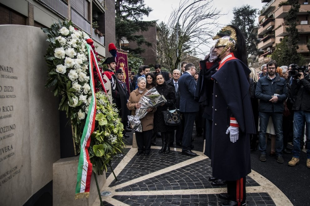 """Anniversario sequestro Moro, inaugurato memoriale """"Giardini Martiri di via Fani"""""""