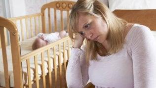 Depressione post partum, la campagna sui social per aiutare le mamme