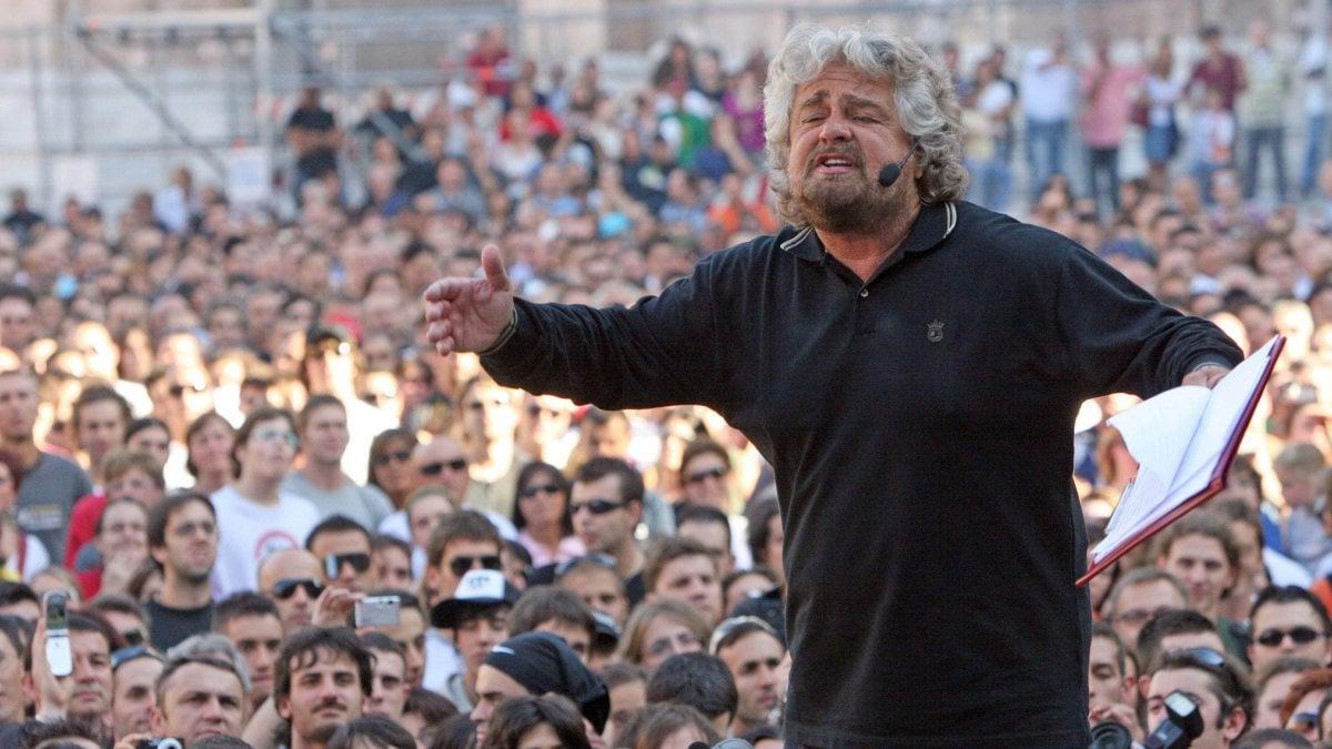 Da renzi a di maio ecco il reddito dichiarato dai for Elenco politici italiani