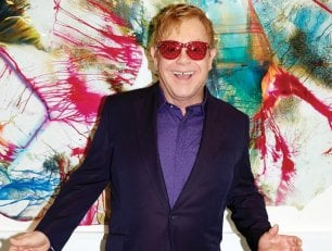 Elton John, due cd per celebrarlo: dai Coldplay a Mary J. Blige fino alle star country