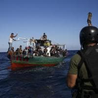 Migranti, arrivata a Pozzallo la nave della Ong spagnola con 218 persone