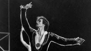 Rudolf Nureyev, il genio ribelle che rivoluzionò la danza · foto
