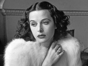 Tutte pazze per Hedy Lamarr, la star di Hollywood che inventò il wi-fi