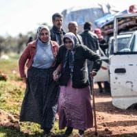 Siria, l'esercito Libero sostenuto dai turchi entra ad Afrin. In fuga oltre 150mila persone