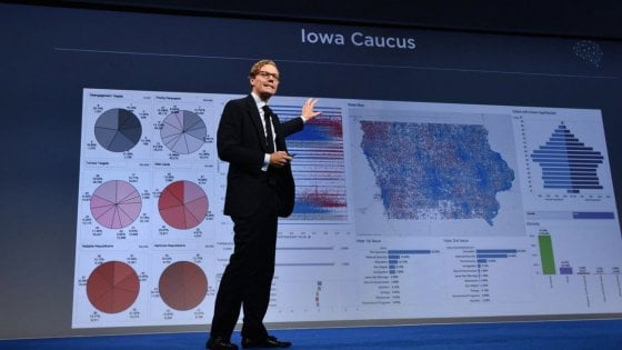 Cambridge Analytica, Londra e Washington convocano Mark Zuckerberg