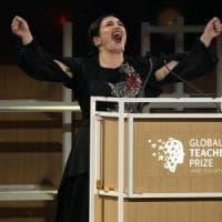 Global Teacher Prize, vince una insegnante simbolo dell'integrazione. Quattro ragazzi...