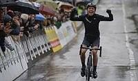 Niewiadoma sotto la pioggia Il Trofeo Binda è polacco