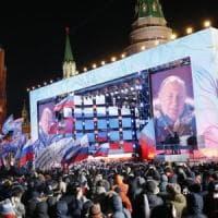"""Elezioni in Russia, Putin trionfa con oltre il 76%. Discorso alla folla: """"Successo è..."""