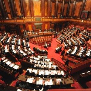 Nuovo parlamento l 39 identikit di deputati e senatori al for Oggi in parlamento