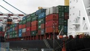 Frena il commercio estero italiano: giù import ed export