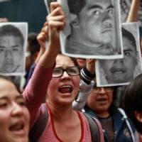 Messico, indagini insabbiate sulla sparizione di 43 studenti: corpi bruciati