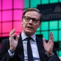 Cambridge Analytica, dalle tangenti alle escort ucraine: così si stroncano