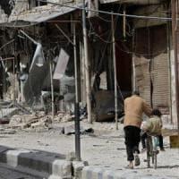 Siria, raid aereo colpisce una scuola a Ghouta. Ong: