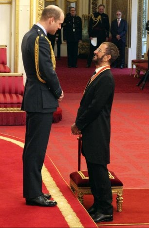 Ringo Starr fatto cavaliere dal Principe William