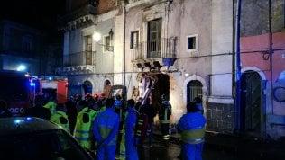 Esplosione in un palazzo, tre vittime: due sono vigili del fuoco mappa