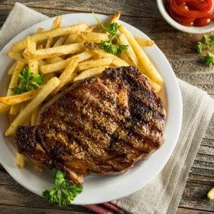 Patatine, biscotti &Co: nuovi obblighi per chi li produce, cibi meno a rischio