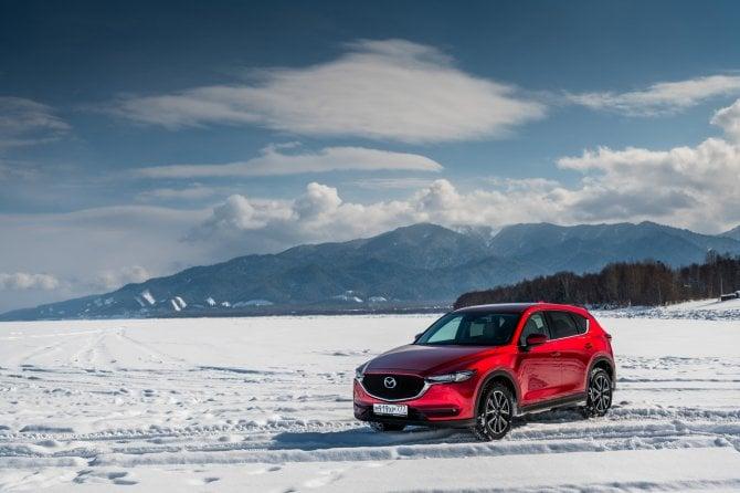 Mazda show sul lago Bajkal in Siberia