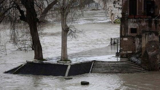 Italia al gelo, nuova allerta in Campania. Pasqua a rischio
