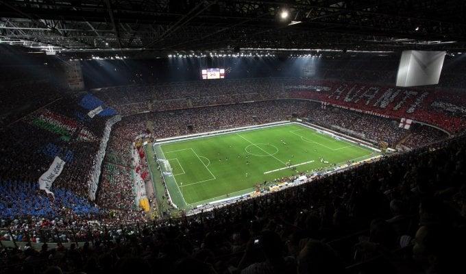 Milan, caos biglietti derby: il club non li rimborsa, beffati i tifosi dell'Inter. Vendita club: procura apre un fascicolo