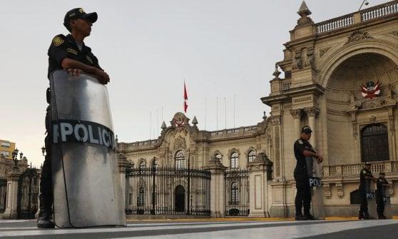 Perù, il presidente Kuczynski si dimette prima dell'impeachment