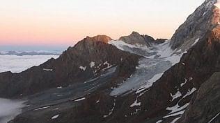 Valanga travolge gruppo di alpinisti: due morti e un ferito