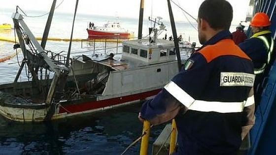 Il peschereccio ligure Mina che nel gennaio 2016 fu sequestrato dalla  gendarmeria marittima francese con l'accusa di praticare la pesca del  gambero rosso in acque diventate francesi in base all'accordo di Caen:  l'episodio si concluse con le scuse per il 'deprecabile atto' da parte  delle istituzioni francesi