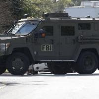 California, auto carica di bombole contro base militare