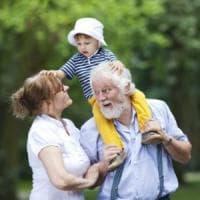 """Nonni in crisi di identità, si moltiplicano i corsi dedicati a loro """"Non siamo solo..."""