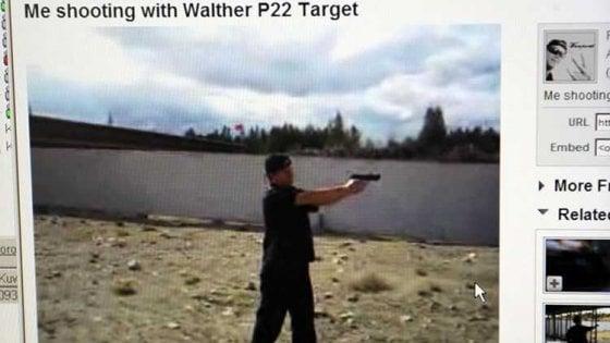 Basta armi su YouTube, via tutorial e istruzioni. Ma qualcun