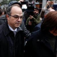 Catalogna, incriminati 13 leader indipendentisti. Rovira in esilio