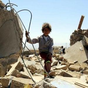 """Yemen, tre anni di guerra: """"E le armi che devastano la vita dei civili arrivano ai Sauditi da Usa, UK"""""""