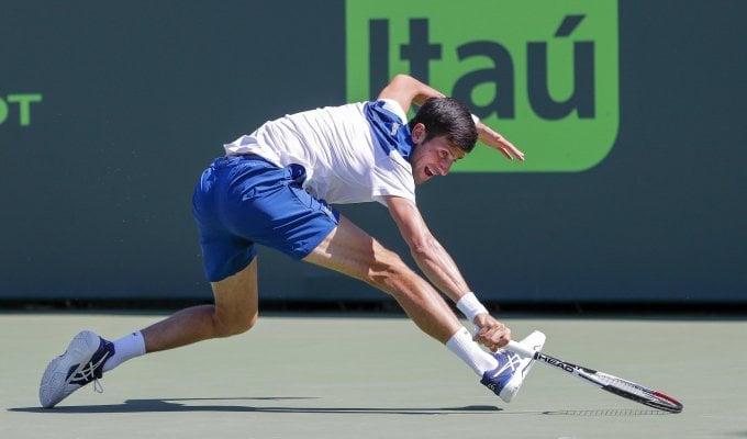 Tennis, l'uomo che non sa più vincere: Djokovic fuori anche a Miami