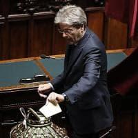 """Colle, Gentiloni si è dimesso da presidente del Consiglio: """"Orgoglioso di aver servito..."""