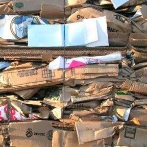 In forte sofferenza il mercato del riciclo della carta