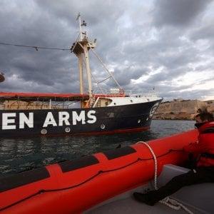 Migranti, resta sotto sequestro la Open Arms ma no al reato di associazione a delinquere
