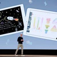 Apple lancia l'iPad low cost pensato per gli studenti