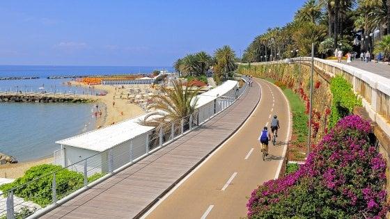 Tra sentieri scoscesi e ex ferrovie, il bello della Liguria dalla bici