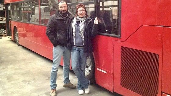 """Dennis, un bus londinese trasformato in libreria. """"Porteremo la cultura dove fatica ad arrivare"""""""
