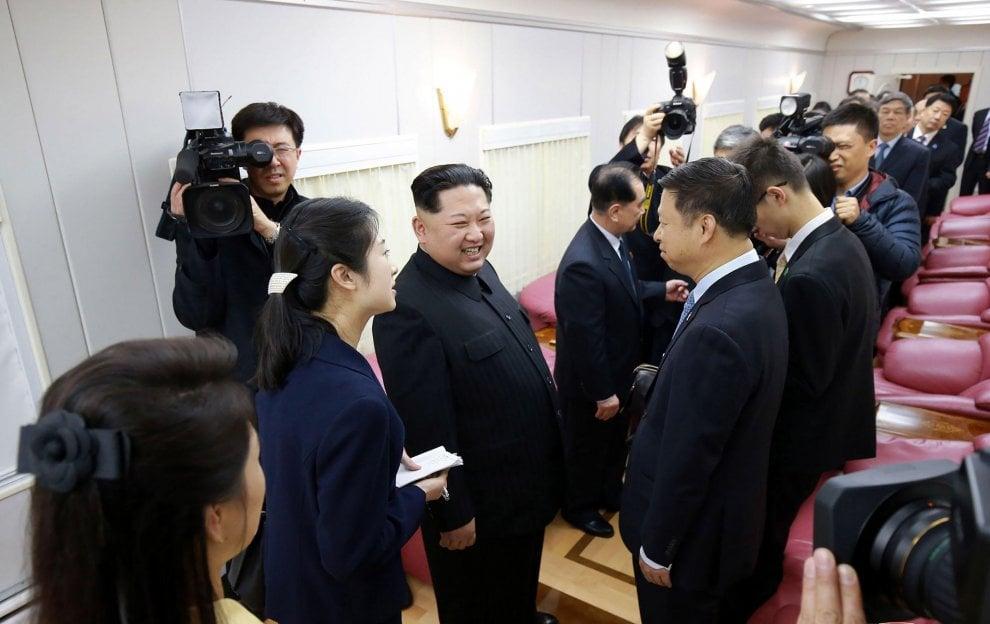 Pechino, svelato il mistero: le foto mostrano Kim Jong-un sul treno blindato